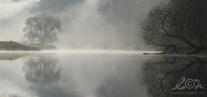 spiegelpanorama-nebelfetzen800xllm.jpeg